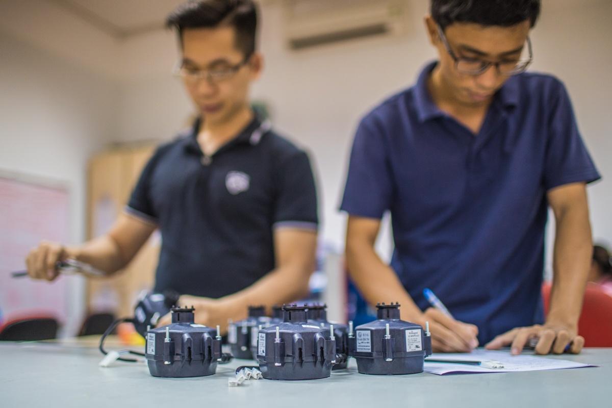 PSC-motors-versus-EC-motors-East-West-Manufacturing