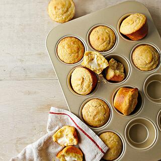williams-sonoma-goldtouch-nonstick-muffin-pan-12-well-o.jpg