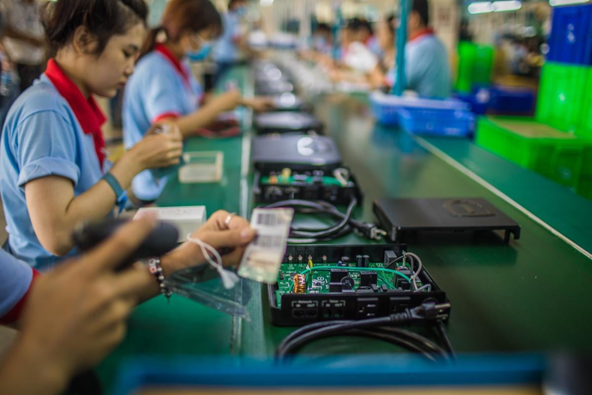 Factors-Driving-Manufacturing-East-West.jpg